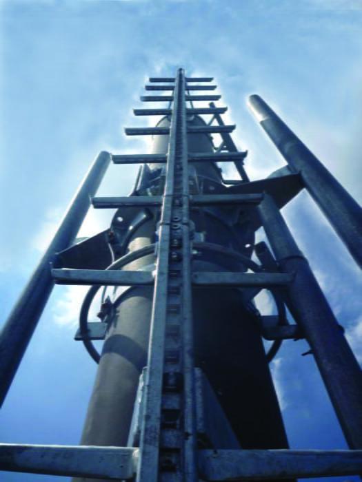 Pre-stressed concrete masts